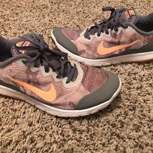 Womens Nike Sneakers 8.5